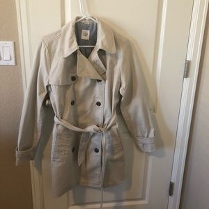 NWOT Gap Trench Coat Size Small